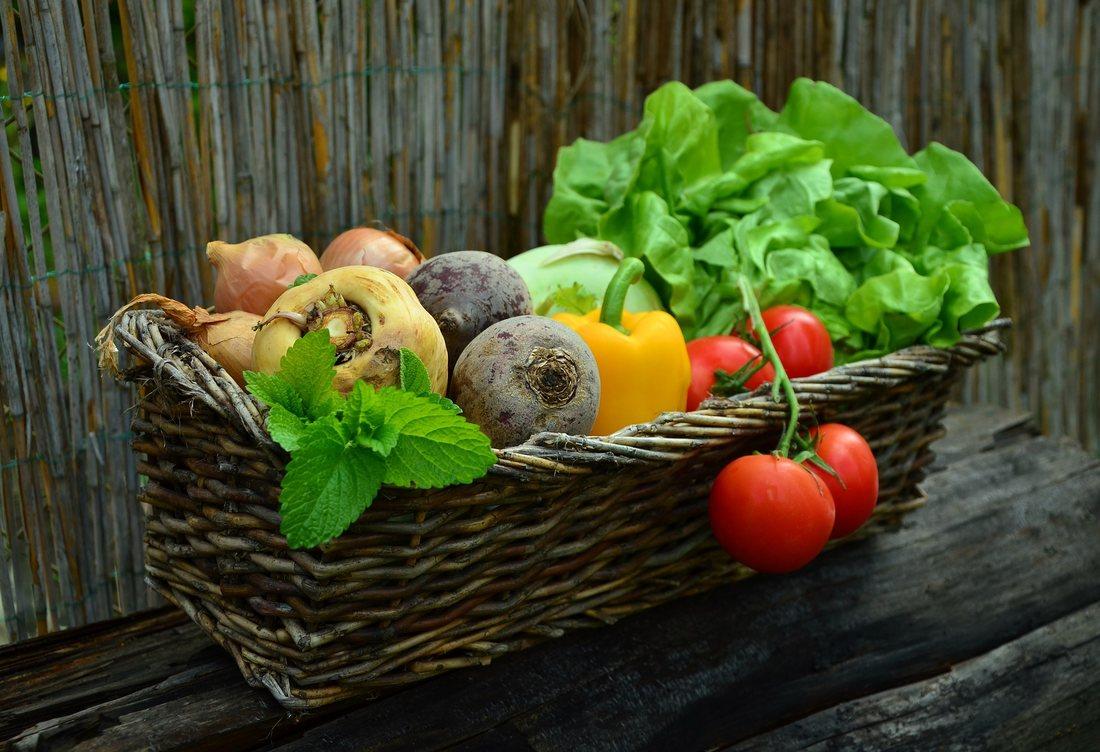 E vremea recoltei! Cosul cu legume in luna septembrie